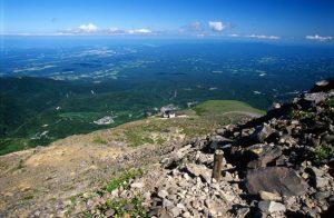 茶臼岳頂上付近から見る那須高原大パノラマ展望