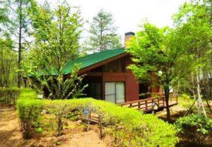 浅間高原別荘地内の散策も可能