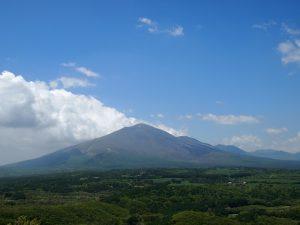 長野原町北軽井沢方面から望む浅間山