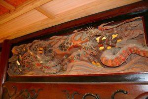 波の伊八作「波に龍」の欄間彫刻