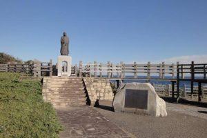 八幡岬公園の「お万の方」の立像