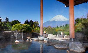 富士山を間近に眺められる箱根の露天風呂