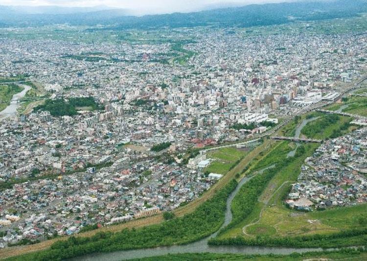 上空からの旭川市街地の眺望