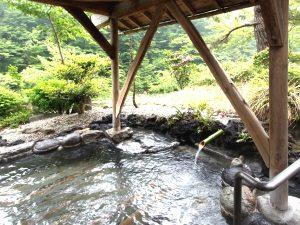 源泉掛け流しの露天風呂(板室)