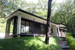 旧軽井沢のモダンな別荘事例