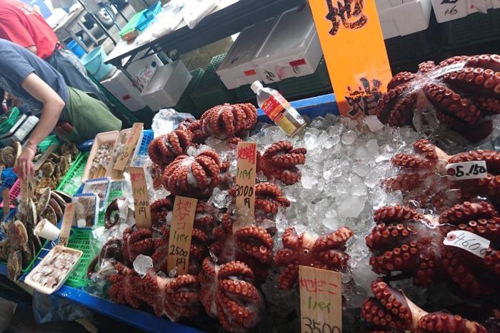 大ぶりの大原特産真蛸の売り場